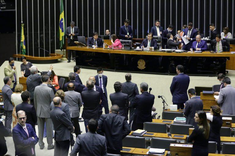 Câmara dos Deputados aprova projetos de combate ao coronavírus