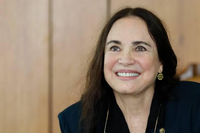 Regina Duarte deixa a Cultura e assumirá a Cinemateca em São Paulo