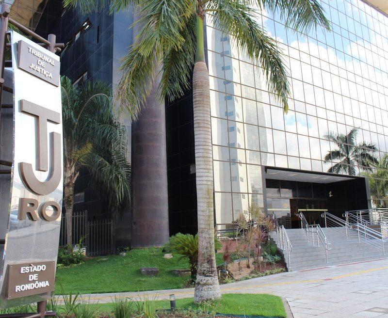 Justiça manda governo parar de pagar pensões a ex-governadores