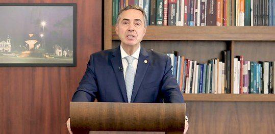 Presidente do TSE pede que brasileiros não deixem de votar