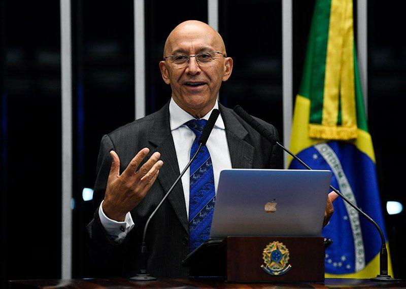 Confúcio Moura presta contas dos 2 primeiros anos no Senado Federal