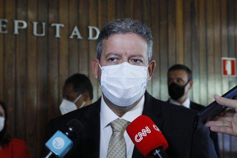 Apelo a ONU: Lira e Pacheco pedem ajuda para acelerar entrega de vacinas ao Brasil