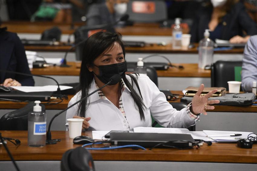 Na estreia de depoente, palanque político passou ao largo da CPI