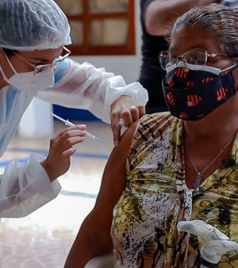 Porto Velho recebe vacinas da Pfizer; pessoas com comorbidades serão vacinadas
